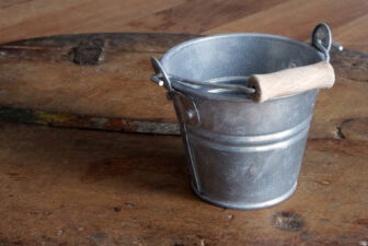 0028-mini-galvanized-bucket