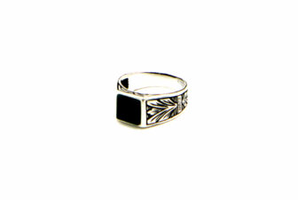 0003-hand-crafted-mens-ring