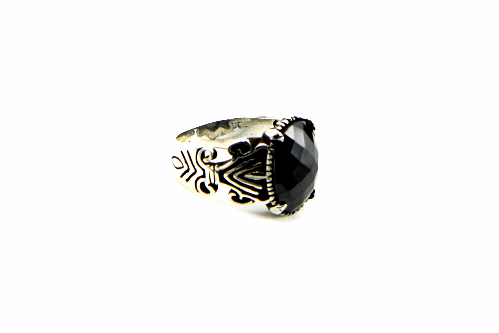 0011-hand-crafted-mens-ring