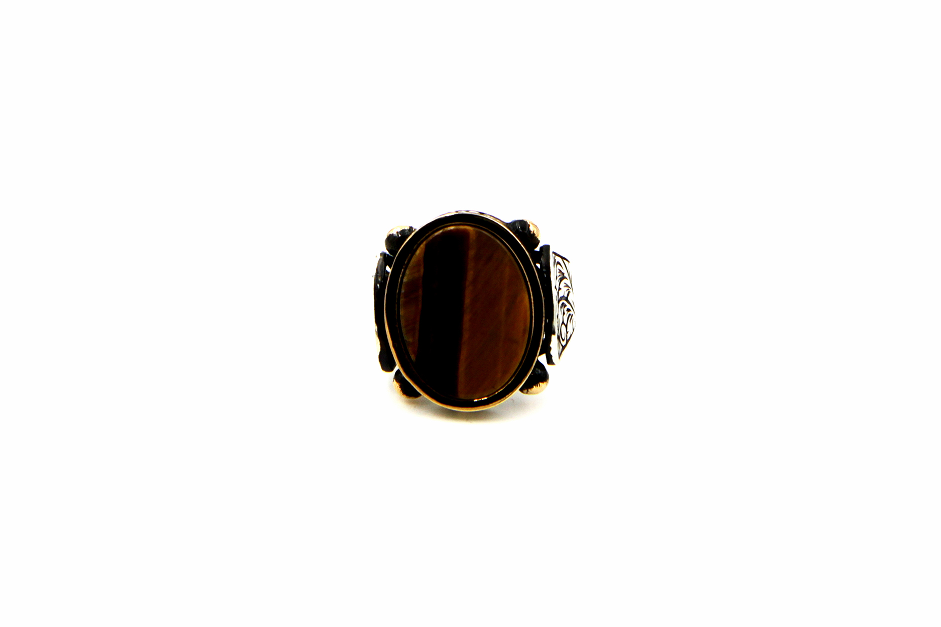 0018-hand-crafted-mens-ring-front