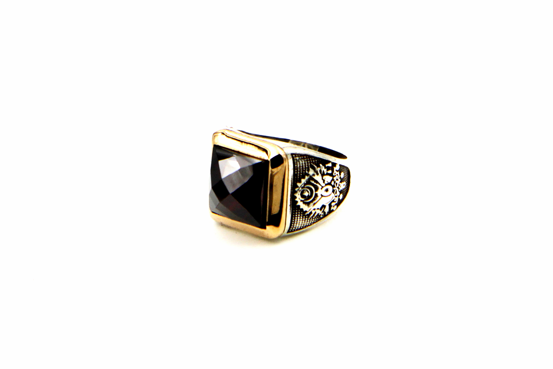 0024-hand-crafted-mens-ring