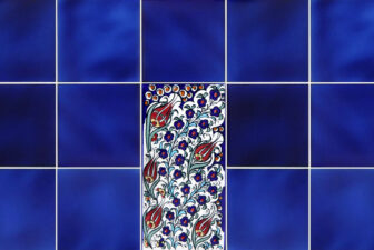 2004-hand-painted-iznik-tile