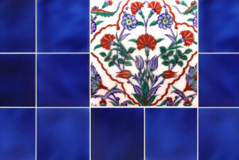 2013-hand-painted-iznik-tile
