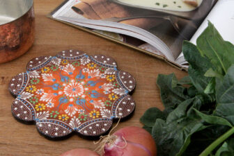 1802-scalloped-iznik-trivet-above