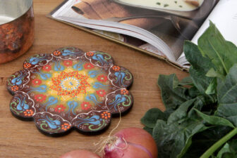 1804-scalloped-iznik-trivet-above