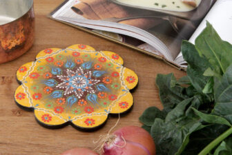 1805-scalloped-iznik-trivet-above