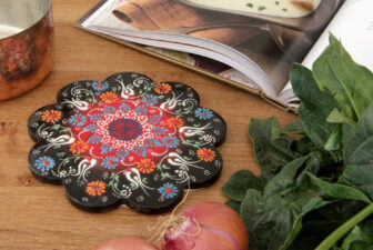 1807-scalloped-iznik-trivet-above